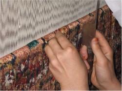 Чистка шелковых ковров